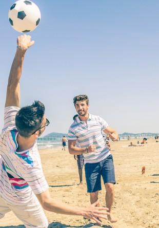 Ce sporturi jucăm la plajă?