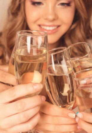 Tipuri de pahare pentru petrecerile de la tine acasă