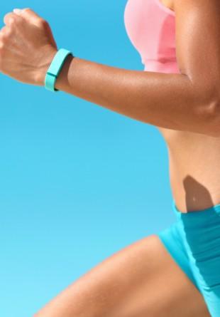 Tehnologia care ne ajută să trăim sănătos – 5 beneficii ale brățărilor fitness!